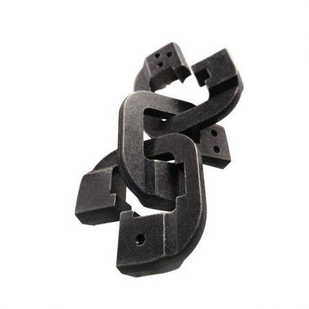 huzzle cast chain